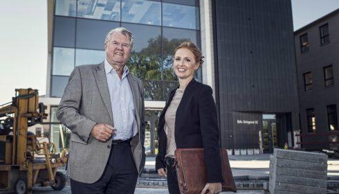 TRAPPER NED: Knut Galtung Døsvig (70) har overlatt sjefsstolen til datteren, Ingse Galtung Døsvig. (Arkivfoto. Morten Wanvik)