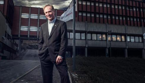 SOLGT: Bill Schjelderup har solgt CMR-bygget på Fantoft til Obos Forretningsbygg. (Foto: Morten Wanvik)