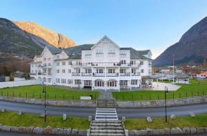 SKAL OPPGRADERES: Hotellet skal oppgraderes for et betydelig beløp.