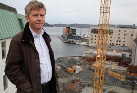 TØFFERE: 2016 blir et langt mer krevende år for Constructa enn fjoråret. Konserndirektør i selskapet, Thor Småbrekke, forteller at omsetningen ligger an til å krympe med 400 millioner kroner. (Foto: Constructa)