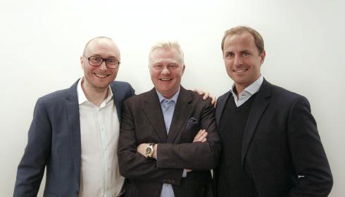 BLIR ETT: Estate Media og konkurrenten NæringsEiendom slår seg sammen. Fra venstre Morten Olaisen, daglig leder og hovedeier i NæringsEiendom, i midten Trond Valle, daglig leder og hovedeier i Estate Media og Andreas Borch-Nielsen, eier i NæringsEiendom.