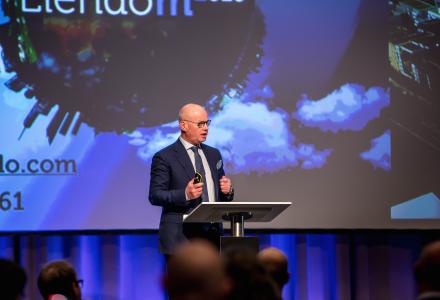 DE RETTE: Bård Bjølgerud var på Eiendom2016 i forrige uke. Han mener at langsiktige investorer er en forutsetning for god byutvikling. (Foto: ToveLiseMossestad@Eiendom2016)
