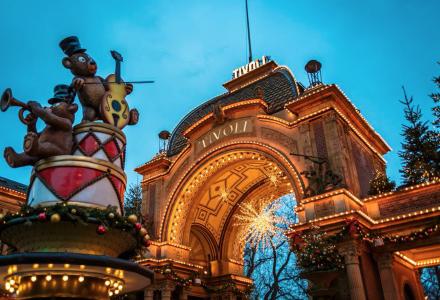 VELKJENT: Tivoli i København er nok velkjent for de fleste av oss. Byen er nå kåret til verdens beste by å bo i av magasinet Metropolis. (Foto: Tivoli/Anders Bøggild)